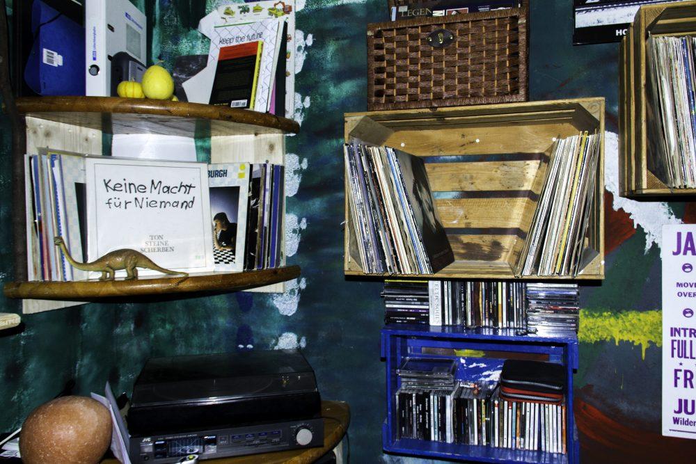 Schallplatten an der Wand